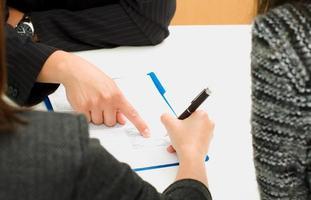 contract ondertekenen foto