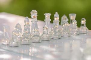 schaakstukken klaar voor het spel foto