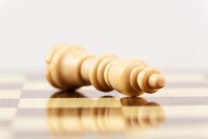 verliezen op schaakbord foto