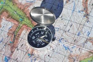 kompas en kaart. foto