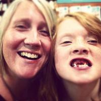 mobilestock moeder en kind reünie instagram foto