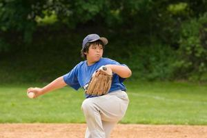 honkbal jeugd league werper foto