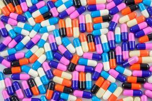 verschillende pil capsules foto