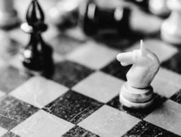 schaken ridder en bisschop foto