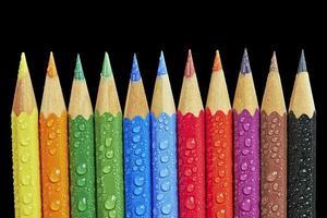 kleurrijke kleurpotloden foto