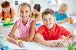 kinderen bij les foto