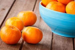 oranje op houten foto