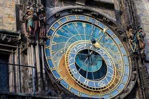 Praag astronomische klok (orloj) in het oude centrum van Praag foto