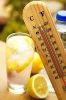 koud drankje op hoge temperatuur foto