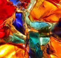 close-up van backlit gekleurd glas abstract patroon