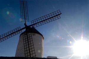 molinos de viento, la mancha, españa foto