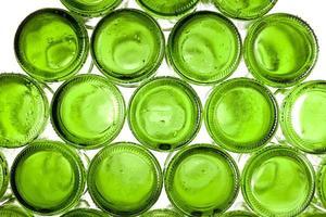 bodems van lege glazen flessen foto