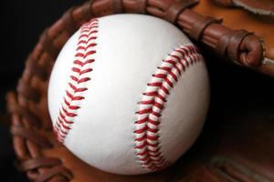 honkbal en handschoen foto