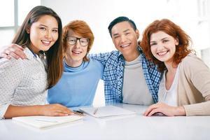 gelukkige studenten foto