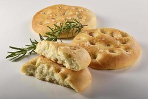 focaccia plat brood met rozemarijn _3 foto