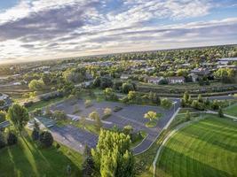 luchtfoto van basketbalvelden foto
