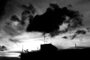 silhouet van antenne foto
