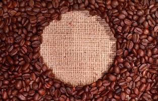 koffiebonen met ronde cirkelvormige kopie ruimte foto