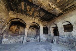 uplistsikhe is een oude, uit de rotsen gehouwen stad in het oosten van Georgië. foto
