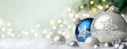 Kerst ornamenten met copyspace foto