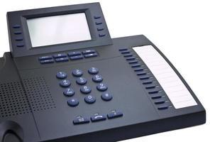 moderne donkere telefoon met kopie ruimte foto