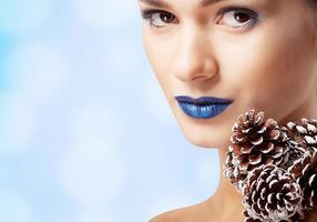 winter schoonheid vrouw. Kerst meisje make-up. make-up. sneeuw koningin foto