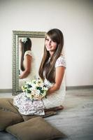 mooie stijlvolle bruid foto