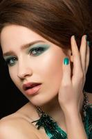 portret van prachtige jonge vrouw