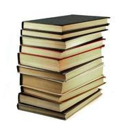 foto van oude boeken die op wit worden geïsoleerd