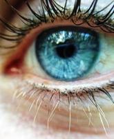 blauw oog van dichtbij
