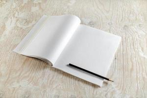 blanco geopend leerboek foto