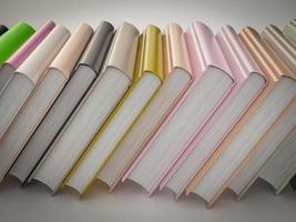 lege gekleurde boeken mockup sjabloon. hoge resolutie. foto
