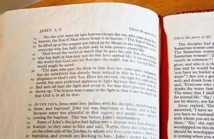bijbel les foto