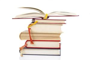 stapel en open boek