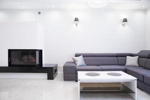 eenvoudige woonkamer foto