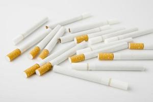 stapel sigaretten foto