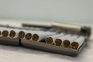 sigaretten en etui foto