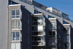 modern appartement in de stad vasteras, zweden. foto