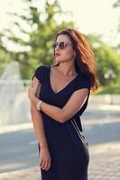 stijlvolle jonge vrouw