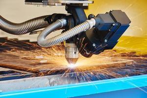 plasma- of lasersnijden metaalwerk foto