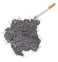 as in de vorm van Suriname en een sigaret. (Serie) foto