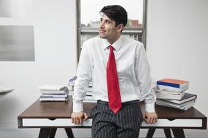 zakenman in het kantoor foto