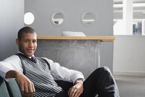 portret van een mannelijke kantoormedewerker foto