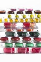 kleur tabletten, capsules en vitamines in blisters