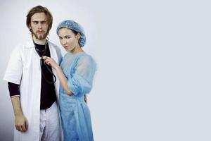 grappig artsenpaar foto