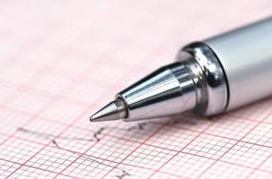 elektrocardiograaf met pen foto