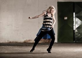 tienermeisje dansen foto