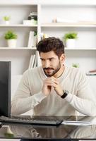 kantoor werknemer portret foto