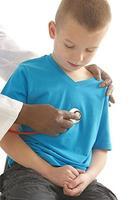 jongen medisch bezoek foto