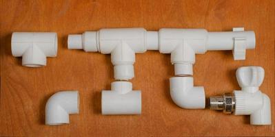 het schema van een watervoorzieningssysteem van polypropyleen foto